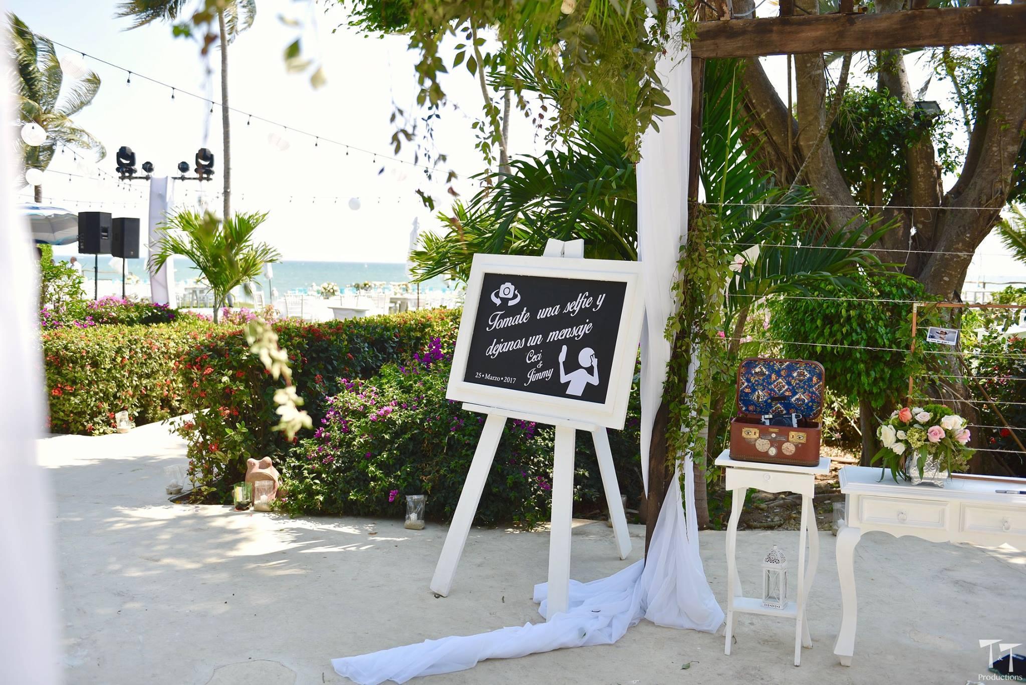 Photographers Mexico Bucerias wedding planner tips Nayarit Martoca